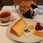 33810547 - シフォンと紅茶