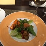 ビストロ ル・セール - 前菜盛りと白ワイン