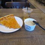 ピザ スライス - ランチセット:チーズ・スライス、クラムチャウダー、ジンジャエール2