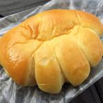 33820173 - クリームパン  130円