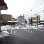 福田パン - 店舗前に6台ほど置けます