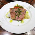 コロッセオ中目黒 - ついついワインを飲みたくなるお肉のテリーヌ