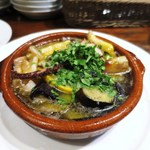 コロッセオ中目黒 - タコとつぶ貝のアヒージョ