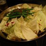 チーズタッカルビ 肉 居酒屋半 - もつ鍋