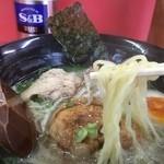 33830214 - ぶたの麺もちぢれ細麺。