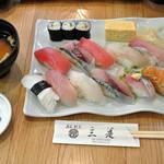 三是寿司 - ランチタイムにぎり12貫(1,080円)