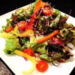 HANGOUT Earts&Fellow - 色彩野菜のグリーンサラダ