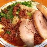豚星。 - 台湾塩ラーメン。 ピリ辛さ、豚骨、塩のバランスが良く美味い! ジャンクさバリバリ(´・Д・)」