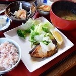 デイ バイ デイ Ⅱ - 本日のお魚(ブリ)