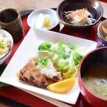デイ バイ デイ Ⅱ - 料理写真:本日のお魚(カジキマグロ)