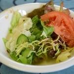 カフェモントルー - 料理写真:サラダバーついてます