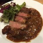 五反田 ジビエバル Umagoya - 猪肉のなんとか  これまた固いけどうまい。最終就業日にジビエ食べれてよかったっす。