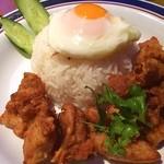 東銀座のタイランド食堂 ソイナナ - 鶏肉とにんにく唐揚げ