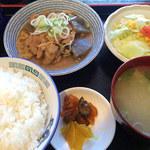 金太郎 - もつ煮定食 710円