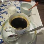 イタリアーノ プント ワイン&幸 - コーヒー:器は「ヘレンド」
