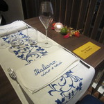 イタリアーノ プント ワイン&幸 - テーブルの設え