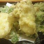 33842779 - 野菜天(中央がマイタケ)