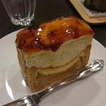 33843120 - ケーキセット(税込540円)で選んだりんごのシブースト