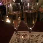 チュカテ - 今夜は泡で乾杯。