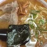 三平ラーメン - ちょいピリカラ王道味噌