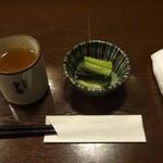 そじ坊 - 蕎麦茶、野沢菜(無料)