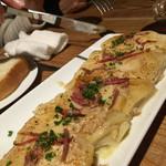 肉ビストロ 2986 - ドフィノワーズ。スライスしたジャガイモのオーブングリルといった感じ。フライドポテトの、後にまた、芋来ちゃった⁉︎って感じ。