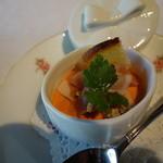 澤亭 - アミューズ:パプリカのムース