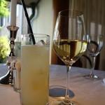 澤亭 - 白ワイン、自家製ジンジャーエール
