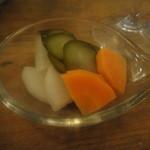 スタンディングワインバー アワ - 根菜のピクルス