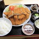 金ちゃん食堂 - ジャンボチキンカツ定食680円