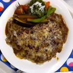 飛鳥カリーカフェ - 3種類のチーズをたっぷりかけて焼き上げます。焦げたチーズがたまりません。