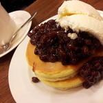 元町サントス - ホットケーキとホットコーヒー