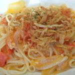 Casual Italian & Pasta LEGARE(レガーレ) - 淡路島産玉ネギとフレッシュトマトの生パスタ(2014年12月来店)