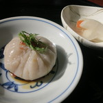 霧島そば處かわぐち - 蕎麦豆腐は蕎麦粉と葛でもちもち仕上げている。
