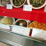 神楽坂飯店 - 店頭の食品サンプルでお腹一杯