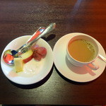 BistroW - 朝食ビュッフェ、ヨーグルト・フルーツ・カフェラテ