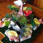 関の瀬 - 関サバすし(¥3675)と、関アジの姿すし(¥1890)