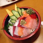 うまい鮨勘 熱海支店 - ランチちらし寿司