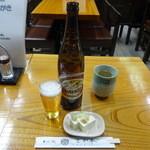 さか本そば店 - 大瓶ビール600円