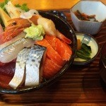 男鹿海鮮料理 三代目ほたる - ○特海鮮丼