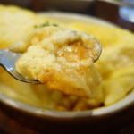 33885286 - ちょっとピントが甘いけど、ふわふわ卵の下はラザニアという不思議な食感のお料理。