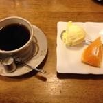 33885607 - コーヒーとデザート付き!
