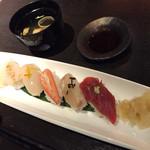 33886842 - 食事 生寿司盛り合わせ 椀物