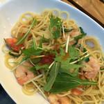 33896049 - 海老と水菜のペペロンチーノ