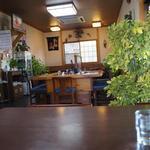 いづみや - テーブル席