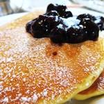 ジェイドファイブ - ブルーベリーパンケーキ