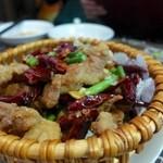 慶和楼 - 鶏の唐辛子と山椒で炒めたもの