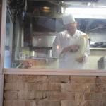 XI'AN - グラグラしている鍋に向かって麺を削ってます。