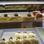339596 - ウィンドウのケーキ