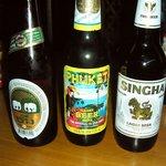 タイ料理 クルンテープ - タイのビール3兄弟!左から、ビアチャン、プーケット、シンハー